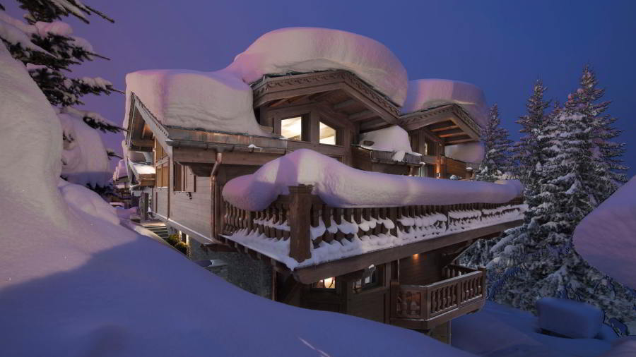 Night view of Luxury ski-in ski-out chalet Coquelicot in Courchevel 1850