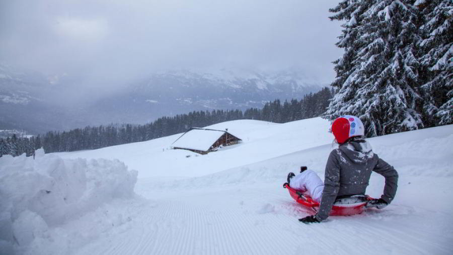 Megeve Laluge sledge run : a funny and fantastic winter activity for families with children from 5 years old.